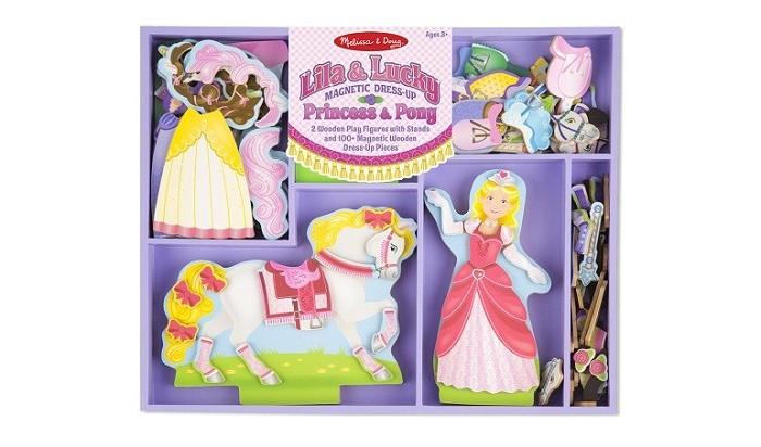 Деревянная игрушка Melissa &amp; Doug Магнитные игры Лила и счастливчикМагнитные игры Лила и счастливчикДеревянная игрушка Melissa & Doug Магнитные игры Лила и счастливчик принцесса и лошадка собираются на прогулку. Помогите Лиле и Счастливчику подобрать необыкновенный наряд.  В набор входят фигурки Принцессы и ее коня на подставках, более 100 деревянных нарядов с магнитами.  Поставляется в деревянном лотке.<br>