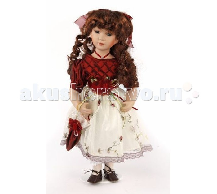 Angel Collection Кукла фарфоровая Венди 16 40.6 смКукла фарфоровая Венди 16 40.6 смКаждая кукла, выпущенная в серии Angel Collection, обладает неповторимым образом - принцессы, феи, маленькие девочки, роскошные невесты и т.д. Изысканные наряды и очаровательная матовость фарфора превращают этих кукол в настоящее произведение искусства.   Куклы сделаны из уникальной голубой глины.  Фарфоровая красавица - это не просто игрушка, а также украшение для интерьера или ценный экспонат коллекции.  Опорой для куклы служит специальная подставка.  Высота куклы: 40.6 см<br>