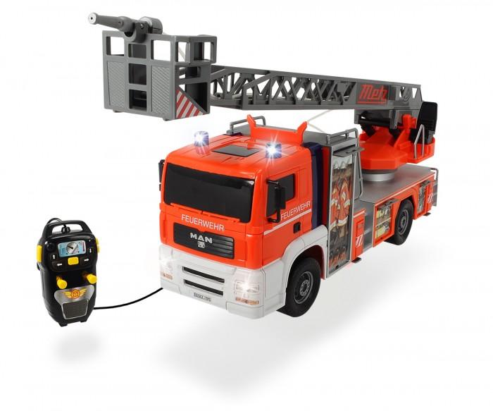 Dickie Пожарная машина 50 смПожарная машина 50 смDickie Пожарная машина 50 см обязательно понравится вашему малышу и займет его внимание надолго.  Особенности: Игрушка выполнена в виде пожарной машины. Размер машины – 50 см. На корпусе игрушки размещена лестница с площадкой и брандспойтом, которую можно выдвинуть и повернуть вокруг своей оси. Брандспойт оснащен функцией подачи воды. Транcпортное средство выполнено очень реалистично, при включении ребенок услышит звук пожарной сирены, а мигалки на кабине начнут светиться. На кузове машины есть яркие наклейки, имитирующие приспособления для тушения пожара и амуницию для спасателей. Управлять действиями игрушки можно при помощи пульта дистанционного управления. Игрушка окрашена в яркие цвета специальными устойчивыми и безопасными красителями. Машина изготовлена из ударопрочного пластика высокого качества.<br>