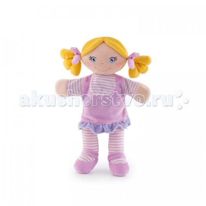 Trudi Игрушка на руку Мягкая кукла в розовом 35 смИгрушка на руку Мягкая кукла в розовом 35 смTrudi Игрушка на руку Мягкая кукла в розовом 35 см. Это не просто кукла. Это игрушка на руку. Наденьте ее и кукла оживет. Вместе вы сможете создать свой кукольный спектакль. Она сможет качать головой, хлопать в ладоши, прыгать и все, что вы захотите. Нужна лишь фантазия!   Веселая игрушка разнообразит ваши вечера. Дети будут с восторгом следить за «ожившей» куклой, и будут стараться повторять за родителями. С такой игрушкой развивается любознательность, тренируется воображение, раскрывает творческие способности.   Кукла сделана из прочного и качественного материала, который не боится машинной стирки. Поэтому разыгрывать новые спектакли можно и дома, и на улице.  Размер игрушки: 35 сантиметров.<br>