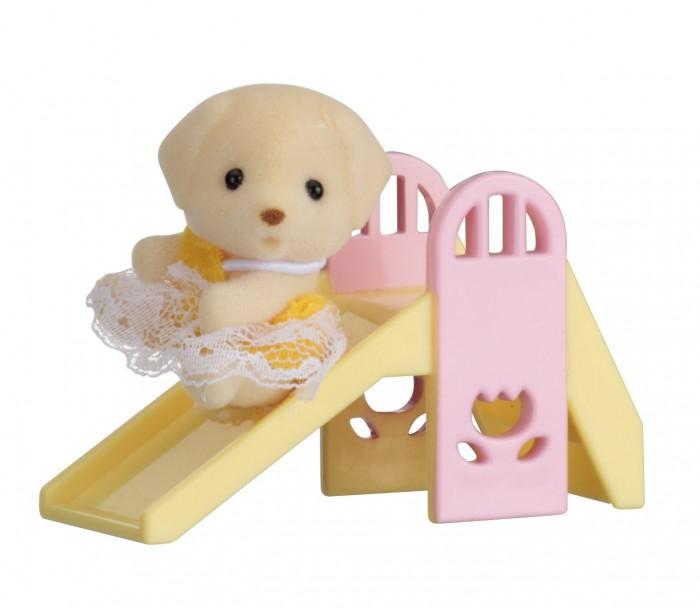 Sylvanian Families Набор Младенец в пластиковом сундучке. Собачка на горке
