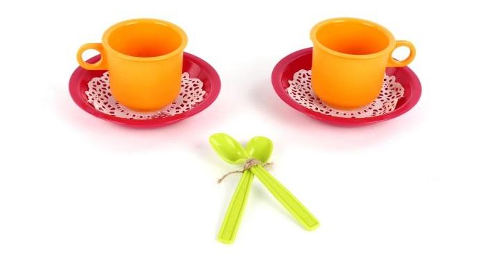 Росигрушка Набор посуды Чайная пара РозеНабор посуды Чайная пара РозеРосигрушка Набор посуды Чайная пара Розе предназначен для сюжетно-ролевых игр, поможет ребенку познакомиться с навыками сервировки стола.  Вся посуда изготовлена из водоотталкивающей нетоксичной пластмассы и абсолютно безопасна для хрупкого детского здоровья.  В комплекте: чашки - 2 шт. блюдца - 2 шт. ложки - 2 шт. салфетки - 2 шт.<br>