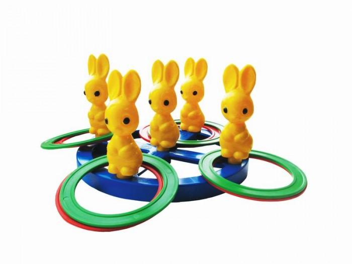Развивающая игрушка Плэйдорадо Кольцеброс ЗайчикиКольцеброс ЗайчикиКольцеброс Плэйдорадо Зайчики представляет собой игрушку, развивающую меткость, ловкость и глазомер. Необходимо, отойдя на некоторое расстояние, накидывать кольца на зайчиков. Можно играть как одному, так и вдвоем, разделившись по цветам. Победитель определяется путем подсчета заброшенных колец. Игрушка изготовлена из долговечного и прочного пластика.<br>