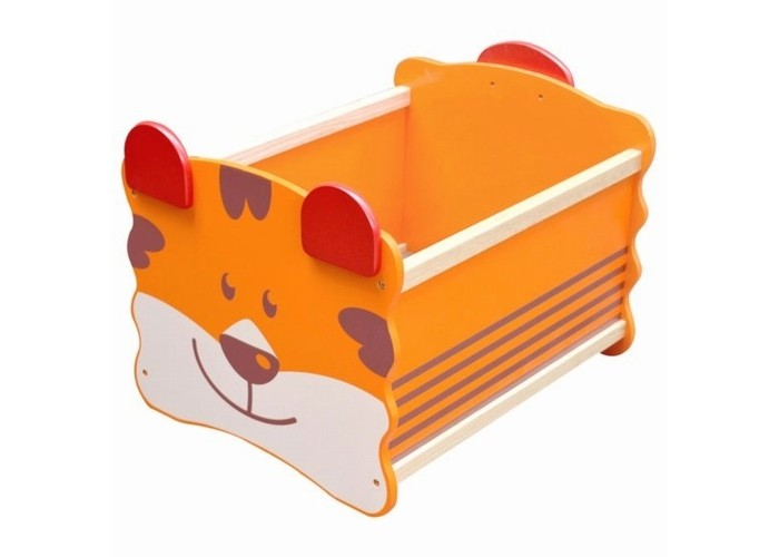 Im toy Ящик для хранения ТигрЯщик для хранения ТигрIm toy Ящик для хранения Тигр безопасен даже для самых маленьких детей, благодаря своей устойчивой конструкции с закруглёнными углами.   Особенности: На торцевой стеночке изображена улыбающаяся мордашка медвежонка Яркая игрушка-ящичек обязательно приживётся в комнате Вашего ребёнка – лёгкий и компактный, он также может принимать участие в сюжетно-ролевых играх.  Материал: дерево ценных пород, произрастающих в экологически чистых районах Юго-Восточной Азии.   Размер: 34х44х32,5 см.<br>
