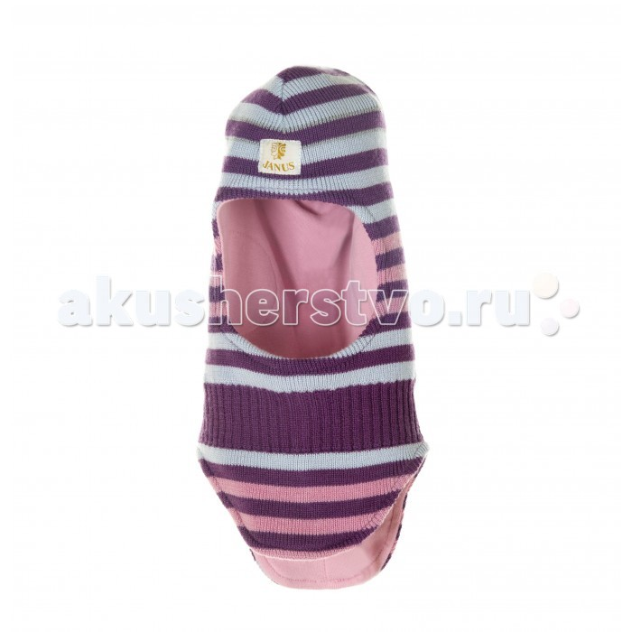 Janus Шапка-шлемШапка-шлемСтильная модель шапки-шлема для ребенка, изготовленная из 100%-ной шерсти мериноса, удачно объединяет в себе шапочку и шарф для прогулок в холодный сезон.  Вам больше не придется беспокоиться, что у играющего на улице малыша откроются ушки или шея, и он простудится. Покрой этой шапки таков, что даже при самых активных играх на улице голова и шея ребенка будут надежно защищены от морозного воздуха и холодного ветра.   При этом если малыш вспотеет на прогулке, его головка всегда будет оставаться сухой и теплой, ведь шерсть мериноса обладает уникальными свойствами: даже будучи влажной, она останется отличным терморегулятором и подарит вашему ребенку «сухое» тепло, согревая его в самые сильные морозы.  Материал: 100% шерсть, подкладка - 100% хлопок Уход: бережная стирка до 40 С  Продукция компании Janus сертифицирована и полностью безопасна. Вещества, применяющиеся для окрашивания шерсти, не содержат вредных веществ, поэтому шерстяную одежду могут носить даже дети, склонные к аллергии. За изделием легко ухаживать, можно стирать в теплой воде с минимальным применением моющего средства для шерстяных изделий.<br>