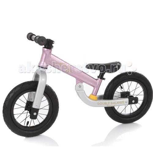 Беговел Jetem Double Balance Deluxe KMA-07Double Balance Deluxe KMA-07Jetem Double Balance Deluxe - беговел, предназначенный для детей от 2 до 6 лет. Удобное седло и широкие накачиваемые колеса сделают прогулки комфортными и незабываемыми. Высоту руля и седла можно регулировать.   Беговелы – это детские двухколесные велосипеды, у которых нет педалей. Они совмещают в себе черты велосипеда и самоката и помогают держать равновесие.  Особенности: 12 дюймовые надувные колеса из резины эргономичное сидение с мягкой накладкой сиденье регулируется по высоте алюминиевая рама вес 3.89 кг нет тормоза нет подножки предназначен для детей от 2 лет до 6 лет (до 50 кг)<br>