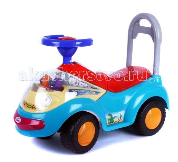 Каталка Jetem Space TolocarSpace TolocarАвтомобиль для катания детей Jetem (Capella) Tolocar станет любимым средством передвижения вашего малыша.  Яркая машина имеет высокий руль с пищалкой и удобное сиденье и снабжена съемной ручкой-толкателем для контроля ее движения взрослыми. Под прозрачным капотом автомобиля расположены покачивающиеся фигурки медвежонка и бегемотика, а на панели расположены кнопки активации звуковых эффектов и включения фар. При нажатии кнопок ребенок сможет услышать приятную мелодию, звук рожка или полицейскую сирену.  Сиденье автомобиля поднимается, открывая небольшой отсек, в котором можно расположить маленькие игрушки. Автомобиль выполнен из прочного пластика, а оси колес - из металла, что гарантирует его прочность и долговечность. С такой машиной не только прогулки, но и игры малыша станут веселее и увлекательнее.  Порадуйте его таким замечательным подарком!  Материал: пластик, металл. Размер автомобиля (без учета руля): 64 см x 28 см x 27 см Максимально допустимая нагрузка: 27 кг Размер упаковки: 66,5 см x 27,5 см x 26,5 см Вес 3,2 кг Габариты, Д/Ш/В67/28/27<br>