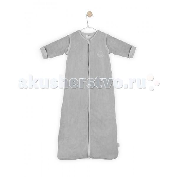 Спальный конверт Jollein со съемными рукавами 70 см ТОГ 1.2со съемными рукавами 70 см ТОГ 1.2Универсальный спальный мешок со съемными рукавами 70 см ТОГ 1.2.  Спальные мешки для новорожденных – это очень практичная замена одеялу. Малыш не сможет сбросить с себя, или наоборот закрыть себя с головой, что происходит, когда малыша накрывают одеялом. Малышу будет всегда комфортно и тепло в прохладное ночное время.   Спальные мешки предотвращают риски удушения. Удобные просторные формы позволят малышу занять привычную для сна позу. Различные варианты исполнения и материалы позволяют использовать спальник для новорожденного и летом, и зимой. Удобные замочки по всей длине спального мешка позволяют менять подгузники, не снимая сам спальный мешок. Нахождение в спальнике напоминает ребенку его ощущения в перинатальный период. Это способствует спокойному сну малыша, дает ему чувство защищенности.  Спальный мешок сделан сверху из 100 % полиэстера (корал-флиса, похожего на мягкий велюр) и внутри 100 % хлопок (джерси) без утеплителя. Молния застегивается снизу вверх, благодаря чему можно спокойно переодевать подгузники, не снимая мешочек.  Подойдет для использования в жаркую погоду летом или дома при температуре от +22 - +24 гр. (Tog 1.2) Рукава съемные на молнии.  Размер: 70 см.<br>
