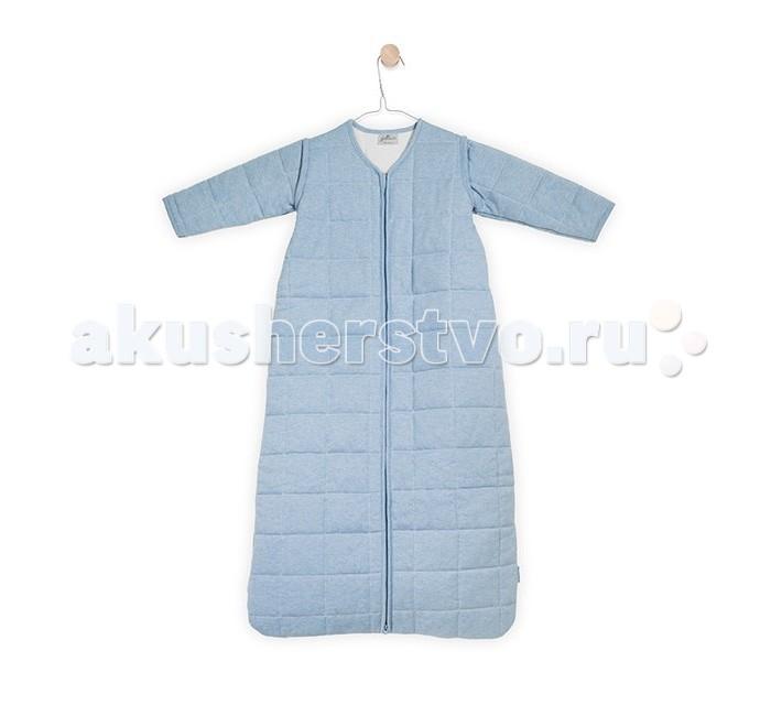 Спальный конверт Jollein со съемными рукавами 70 см ТОГ 2.2со съемными рукавами 70 см ТОГ 2.2Универсальный спальный мешок со съемными рукавами 70 см ТОГ 2.2.  Спальные мешки для новорожденных – это очень практичная замена одеялу. Малыш не сможет сбросить с себя, или наоборот закрыть себя с головой, что происходит, когда малыша накрывают одеялом. Малышу будет всегда комфортно и тепло в прохладное ночное время.   Спальные мешки предотвращают риски удушения. Удобные просторные формы позволят малышу занять привычную для сна позу. Различные варианты исполнения и материалы позволяют использовать спальник для новорожденного и летом, и зимой. Удобные замочки по всей длине спального мешка позволяют менять подгузники, не снимая сам спальный мешок. Нахождение в спальнике напоминает ребенку его ощущения в перинатальный период. Это способствует спокойному сну малыша, дает ему чувство защищенности.  Универсальный спальный мешок с рукавами сделан из 100%-го хлопка (джерси) с мелким узором.  Наполнитель гипоаллергенный сертифицированный (полиэстер).  Молния застегивается снизу вверх, благодаря чему можно спокойно переодевать подгузники, не снимая мешочек.  Соответствует ТОГ 2.2, комфортно при температуре 20-22 град.  Рукава съемные на молнии.  Размер: 70 см.<br>
