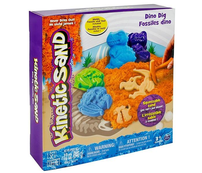Kinetic Sand Песок для лепки c формочками 340 гПесок для лепки c формочками 340 гПесок для лепки Kinetic sand представляет из себя миниатюрную игровую площадку с формующейся массой двух цветов и фигурными формочками для лепки песка.   В ассортименте два игровых набора – щенки и динозавры.  Упаковка наборов раскрашена соответственно тематике и является фоном для создания песчаных скульптур.  Кинетический песок – это новый, очень необычный и очень интересный материал для творчества детей, развития их фантазии и воображения, а также совершенствования мелкой моторики. В отличии от обычного песка, этот материал совершенно безопасен для малышей, в нем не развиваются бактерии. Кроме того, этот песок не пачкает поверхности, не высыхает и долго сохраняет свои свойства благодаря специальным экологически чистым добавкам.<br>