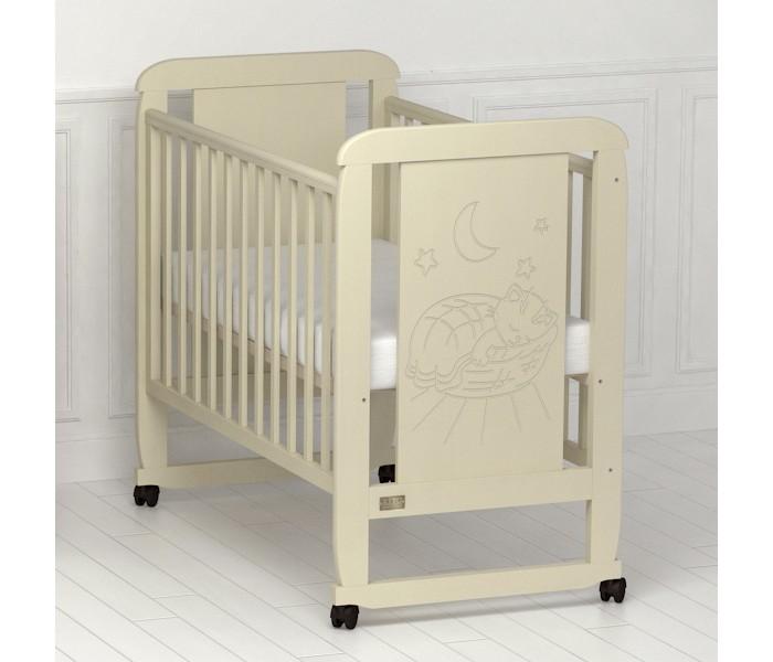Детская кроватка Kitelli (Kito) Micio (качалка)Micio (качалка)Кроватка-качалка Micio, представитель новой линейки детских кроваток для новорождённых выполненных по итальянскому дизайну. Данная продукция является превосходным образцом европейского качества и изысканного стиля.   Товар сертифицирован и изготовлен на современном оборудовании по итальянской технологии. Продукция выполнена из натурального, цельного, экологически чистого массива березы, вставка рисунка из МДФ, что обеспечивает прочность и долговечность изделия.   Кроватка имеет гипоаллергенное, экологически чистое покрытие, не содержащее токсичных компонентов и абсолютно безопасно для ребенка. Каждый сантиметр поверхности обрабатывается вручную, что придает всему изделию индивидуальный, неповторимый вид. Контроль качества производится непосредственно при сборке каждого элемента конструкции.  Особенности: Два положения регулировки боковой стенки. Возможность снятия боковой стенки и трансформация кроватки в уютный диванчик. Размер спального места 120х60 см. Подматрасник кровати выполнен в виде ортопедической сетки и устанавливается в двух положениях по высоте. Соответствует всем требованиям безопасности: отсутствие заглушек, выступающих углов и неровностей. Защитные силиконовые накладки предохраняют от повреждения зубов. Расстояние между прутьями кроватки рассчитаны так, чтобы  обеспечить малышу максимальную безопасность во время сна и бодрствования. Материал: массив березы. Спинка кровати декорирована резьбой. Кроватка снабжена съемными колесами, что делает ее мобильной и удобной для передвижения.  Размер кроватки: 126х68х110 см.<br>