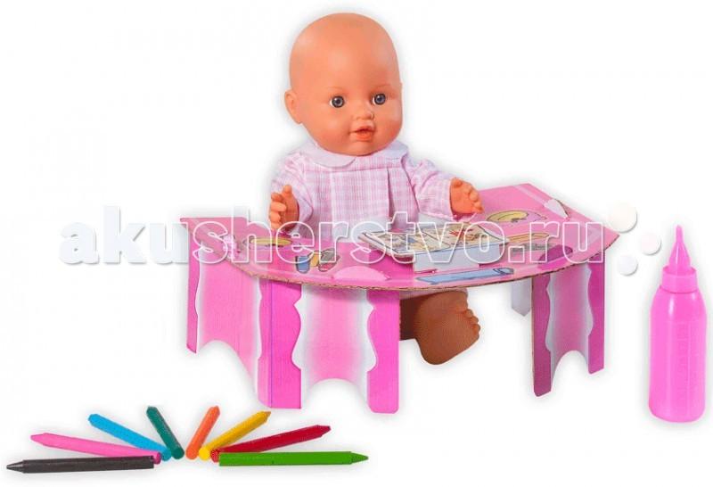 Loko Toys Кукла Le Petit Bebe 32 см со столиком и аксессуарами для школыКукла Le Petit Bebe 32 см со столиком и аксессуарами для школыКукла будет формировать еще в юной малышке материнские чувства, которые в будущем понадобятся ей при уходе за собственным чадо.   Комплектность:  1 пластиковая кукла 30 см, столик из картона 1 шт,  бутылочка для кормления 1 шт,  карандаши 8 шт.   Функции: пьет и писает  Изготовлено из: ПВХ, Текстиль, Полиэстер, картон<br>