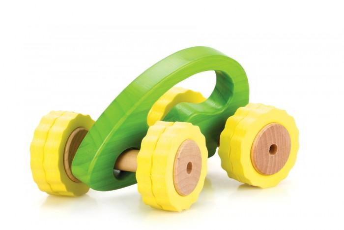 Деревянная игрушка Lucy &amp; Leo Машина Роли-Поли LL105Машина Роли-Поли LL105Lucy & Leo Деревянная игрушка Машина Роли-Поли LL105.  Гонки с препятствиями – что может быть интереснее для активного малыша! С игрушечными машинками из серии Roly-Polly ваш ребенок сможет исследовать окружающий мир в увлекательной игре. Машинка имеет отличное сцепление с любой поверхностью, удобную ручку для малыша и специальную конструкцию для любых поворотов.  Машинки выполнены из качественных материалов по Европейским стандартам и покрыты специальной краской на водной основе, которая абсолютно безопасна для вашего малыша. Мы используем только экологически чистую Новозеландскую сосну и гипоаллергеный мягкий полимер для производства наших игрушек.<br>