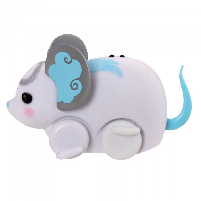 Интерактивная игрушка Little live Pets Мышка в колесеМышка в колесеВстречайте новое поколение интерактивных игрушек от Little Live Pets, изображающих забавных животных. На этот раз вас порадуют мышками.  Тельце мышки покрыто материалом, напоминающим настоящую шерстку, но приятным на ощупь. Вместо лапок у нее маленькие колесики. Мышка издает звуки, похожие на фырканье и писк настоящего мышонка. Ее красивые ушки разукрашены яркими узорами.  В колесе мышка может крутиться и перекатываться по комнате.  Кнопка включения и выключения игрушки расположена на месте рта мышки. Сенсор расположен на спинке. Если игрушка остановилась и перестала двигаться, достаточно провести пальцем по этому сенсору. Мышка продолжит движение.  Игрушка развивает фантазию, воображение, внимательность.  Рекомендовано для детей от 5 лет.   Внимание! Игрушка работает от батареек AG13 (LR44). Они входят в набор и уже вставлены в игрушку. Отслужившие свое батарейки можно самостоятельно заменить. Крышка отсека батареек расположена на правом боку мышки. Если ребенок не планирует играть с мышкой долгое время, то батарейки рекомендуется извлечь и хранить отдельно от игрушки.<br>