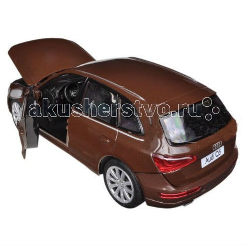 MotorMax Машинка коллекционная 1:24 Audi Q5Машинка коллекционная 1:24 Audi Q5MotorMax Машинка коллекционная 1:24 Audi Q5 - станет достойным экземпляром вашей личной коллекции игрушечных моделей автомобилей.   У игрушки открываются дверки, поэтому внутрь можно усадить пассажиров и домчать их куда угодно со скоростью ветра. Вы также можете положить что-то в багажник или заглянуть под капот, где обнаружите реалистичный двигатель. А если вы повернете руль, то можно заметить, как поворачиваются колеса, у которых настоящие резиновые шины. Поэтому машинка очень плавно и аккуратно движется по ровной поверхности.   Из литого металла в масштабе 1:24, Ауди имеет детали из высококачественного пластика, она приятна на ощупь, и с ней по-настоящему здорово играть, представляя себя юным водителем!   Модель сделана в Гонконге брендом Motormax с особым вниманием к деталям и необыкновенным правдоподобием.<br>