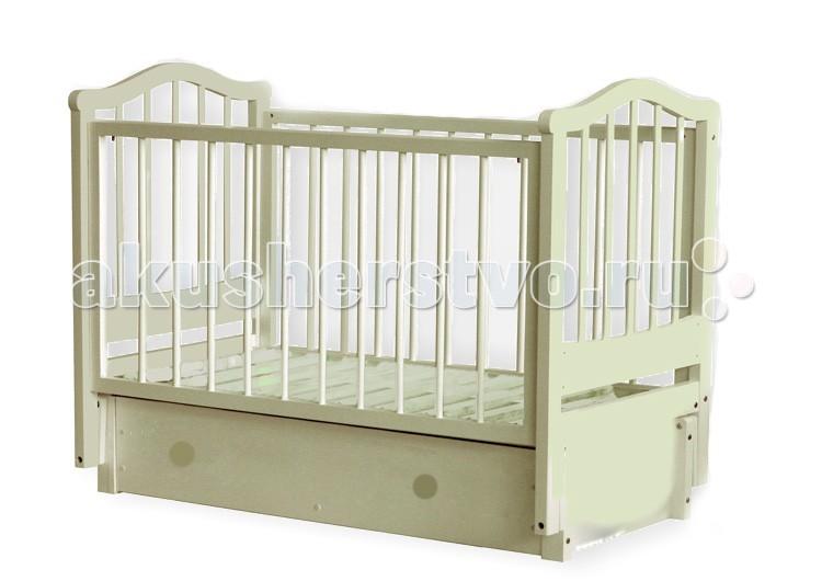 Детская кроватка Можгинский лесокомбинат Камилла (продольный маятник)Камилла (продольный маятник)Детская кроватка Можгинский лесокомбинат Камилла — это уютное место для безмятежного сна вашего ребенка. Кровать «Камилла» имеет 3 уровня ложа, которые позволяют менять высоту основания кроватки в зависимости от вашего желания. Подняв основание кроватки на самый высокий уровень, вы сможете максимально легко извлекать малыша из кроватки. Когда ребенок подрастет и ему потребуется больше пространства — просто опустите уровень ложа. Передняя подвижная стенка кровати также имеет 3 уровня опускания. Кроватка имеет вместительный ящик.  Выполненная полностью из натуральной древесины, детская кроватка «Камилла» не вызывает аллергических реакций у детей даже в самом раннем возрасте. Модель укомплектована выдвижным ящиком, предназначенным для хранения постельного белья или детских игрушек.  Особенности:  размер матраса: 120&#215;60 см; три уровня опускания передней подвижной спинки; три уровня ложа; скрытый механизм опускающегося бокового ограждения; две съёмные рейки в подвижном ограждении; выдвижной ящик с основанием; маятниковый продольный механизм качания со стопором; материал: натуральная древесина (береза); сертификат экологической безопасности<br>