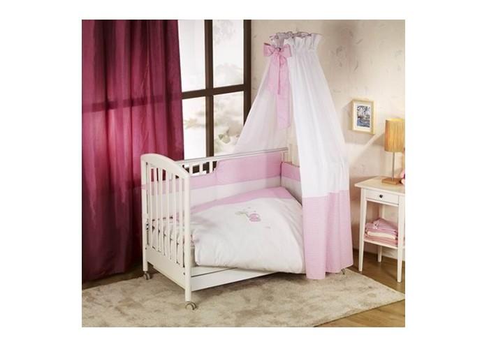 Комплект для кроватки Nino Elefante (6BB предметов)Elefante (6BB предметов)Детский комплект в кроватку Nino Elefante BB обеспечивает новорожденному спокойный сон, так необходимый для правильного развития. Особое внимание уделяется качеству и мягкости хлопчатобумажной ткани. Благодаря применению инновационной системы Easy Wash комплект характеризуется практичностью в использовании, простотой стирки и глаженья борта без риска испортить наполнитель. Использование метода Even Fill обеспечивает равномерное расположение наполнителя. Материал: 100% хлопок, наполнение - полиэстер  В комплекте 6 предметов:  пододеяльник: 135 х 100 см  наволочка: 60 х 40 см  одеяло: 135 х 100 см  подушка: 60 х 40 см  борт: 360 см (на всю кроватку)  простынь на резинке<br>