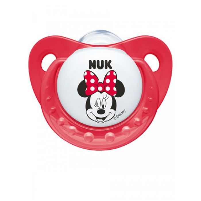 Пустышка Nuk ортодонтическая силиконовая Trendline Disney Mickey, размер 1 (0-6 мес.)ортодонтическая силиконовая Trendline Disney Mickey, размер 1 (0-6 мес.)Ортодонтическая форма соски-пустышки NUK Trendline обеспечивает формирование правильного прикуса и челюстно-лицевого аппарата в целом, а красочный рисунок понравится Вашему ребенку. Загубник анатомической формы полностью прилегает к лицу ребенка и оснащен специальным вентиляционным отверстием.  Как и все соски NUK, Trendline имеет клапанную систему NUK AIR SYSTEM - воздух выходит через специальное отверстие, благодаря чему пустышка остается мягкой и сохраняет свою форму, что предотвращает деформацию полости рта ребенка.<br>