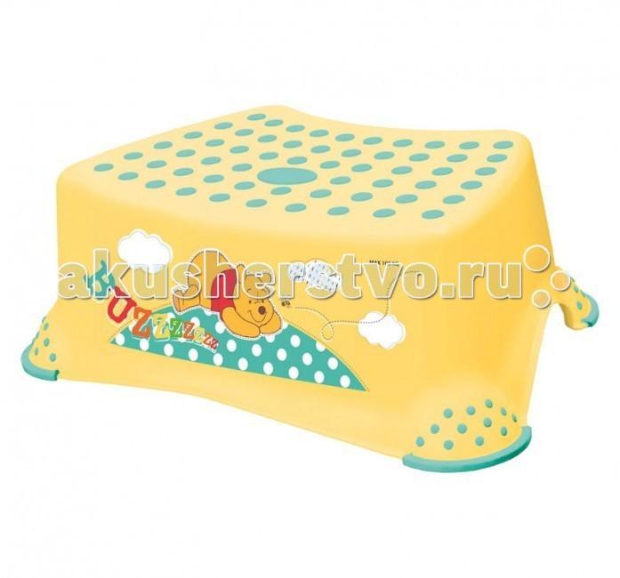 OKT Подставка Disney Винни ПухПодставка Disney Винни ПухПри помощи подставки ОКТ Disney Винни Пух Ваш ребенок сможет сам легко забраться на туалетное сиденье, достать до умывальника или стола. Подставка выполнена из практичных, крепких материалов и не скользит даже на самом гладком полу.  Размер, см: 42 x 30 x 14<br>