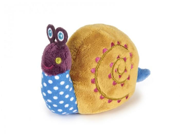 Мягкая игрушка Oops с вибрациейс вибрациейИгрушка мягкая с вибрацией Oops обязательно позабавит Вашего ребенка.   Изготовлена она из разнофактурных материалов приятных на ощупь.   Если потянуть сзади игрушки за веревочку, то забавная черепашка или улитка начнет вибрировать и двигаться.  В процессе игры развивается крупная и мелкая моторика, цветовое восприятие, координация движений, тактильные ощущения.  Швейцарская компания Oops специализируется на разработке и производстве эксклюзивных игрушек и аксессуаров для детей. Яркий узнаваемый дизайн, разнообразие используемых высококачественных материалов, широкий спектр расцветок и размеров, безупречное качество изготовления — это слагаемые успеха торговой марки. Ассортимент товаров Oops включает в себя мягкие и деревянные игрушки, полезные аксессуары, текстиль и даже мебель для спальни. Каждая линия детской продукции, с момента зарождения, детально прорабатывается в строгом сотрудничестве с лучшими лабораториями мира, с целью создания товаров высочайшего качества.<br>