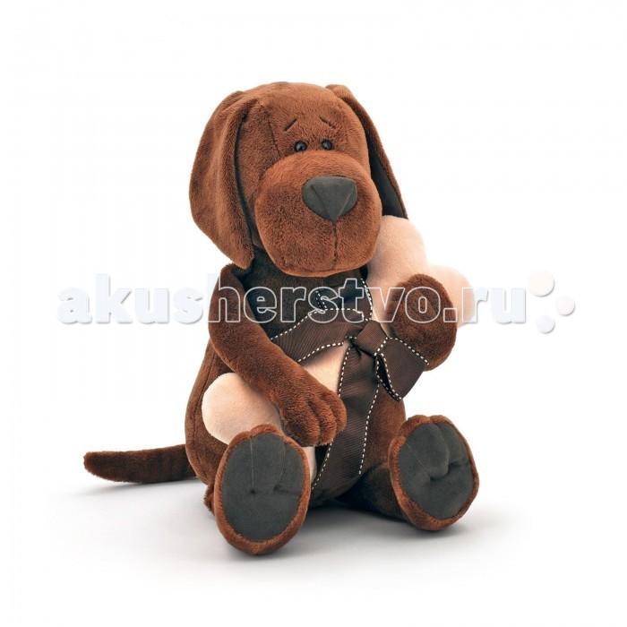 Мягкая игрушка Orange Life Пёс Барбоська с косточкойLife Пёс Барбоська с косточкойМягкая игрушка Life Пёс Барбоська с косточкой привлечет внимание любого малыша.   Забавная мягкая игрушка - прекрасный подарок к любому празднику!  Мягкая игрушка наполнит мир вашего малыша приятными ощущениями и положительными эмоциями. Способствует развитию воображения и тактильной чувствительности у детей.  Качество подтверждено сертификатами соответствия.  Изготовлено из гипоаллергенных материалов.  Состав:  Мех искусственный, трикотажный.  Полое полиэфирное волокно.  Полиэтиленовые гранулы.  Фурнитура из пластмассы.<br>