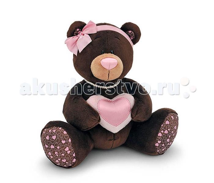 Мягкая игрушка Orange Milk Медвежонок-девочка с сердцемMilk Медвежонок-девочка с сердцемМягкая игрушка Milk Медвежонок-девочка с сердцем привлечет внимание любого малыша.   Забавная мягкая игрушка - прекрасный выбор к любому празднику!  Мягкая игрушка наполнит мир вашего малыша приятными ощущениями и положительными эмоциями. Способствует развитию воображения и тактильной чувствительности у детей.  Качество подтверждено сертификатами соответствия.  Изготовлено из гипоаллергенных материалов.  Состав:  Мех искусственный, трикотажный.  Полое полиэфирное волокно.  Полиэтиленовые гранулы.  Фурнитура из пластмассы.<br>