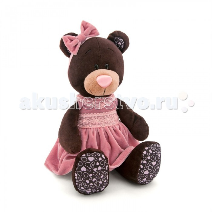 Мягкая игрушка Orange Milk Сидячая в Розовом Бархатном ПлатьеMilk Сидячая в Розовом Бархатном ПлатьеOrange Milk Сидячая в Розовом Бархатном Платье  Milk - очаровательная медведица, которая, как и любая девочка, обожает новые наряды! На этот раз на Milk надето розовое бархатное платье, отделанное кружевной тесьмой, на голове красуется бант из такой же ткани. Малышка Milk станет любимой игрушкой вашего ребенка. Играя с мягкими игрушками, дети становятся увереннее, учатся сопереживанию и сочувствию.<br>