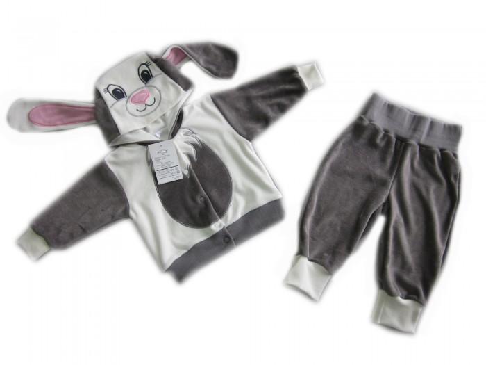 Осьминожка Костюм Зайка В мире животныхКостюм Зайка В мире животныхКостюм: кофточка и брюки для малышей Зайка выполнен в серо-белой цветовой гамме и имитирует внешний вид зайчика, который поднимет настроение не только вам, но и малышу.   Такая одежда станет отличным и просто незаменимым элементом гардероба, который подарит вашему малышу тепло и уют. Кофточка имеет удобные застежки-кнопки по всей длине, что облегчит переодевание малыша. Штанишки на широкой резинке.  Капюшон имеет ушки, на передней его части он украшен изображением мордочки. На животике изделие напоминает тельце животного.   Костюм для детей выполнен из абсолютно качественного материала, который не вызывает аллергических реакций и раздражений на коже вашего малыша.   Верхняя часть изделия изготовлена из качественного велюра, который приятен коже, а подкладка сделана из интерлока.  Материал: высококачетсвенный велюр (состав: 80% хлопок, 20% п/э), кофта на подкладке из интрелока (состав: 100% хлопок)  Уход: Ручная стирка при 30 гр.<br>