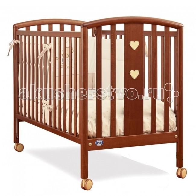 Детская кроватка Pali Mia с матрасомMia с матрасомДетская кроватка Pali Mia с матрасом отличается лаконичным дизайном.   Кроватка изготовлена из древесины бука, покрыта красками из натуральных компонентов и нетоксичными лаками.  Кровать Pali Mia (Миа) оборудована механизмом опускания боковин, который позволяет бесшумно одной рукой опускать и поднимать боковины. Подматрасник кровати выполнен в виде ортопедической сетки из неокрашенного бука и устанавливается в двух положениях по высоте.  Верхний уровень - на расстоянии 48 см.  от поднятой боковины, нижний - 64 см.  Два колеса оборудованы блокирующим тормозом Без ящика Материал - Бук Оснащена съемными колесами (с блокировкой) Спинки и борты кровати - реечные Один борт кровати можно опустить Кровать декорирована аппликациями  В комплекте антибактериальный матрас Pali Med<br>