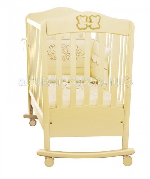 Детская кроватка Pali Marilyn Prestige (качалка)Marilyn Prestige (качалка)Кроватка качалка Pali Marily Prestige из выдержанного бука.   Характеристики: • Размер внешний: длина 109 х ширина 65 х высота 102 см • Размер внутренний (для матраса): длина 100 х ширина 60 см • Материал: кровать сделана из выдержанного бука  Особенности: • Кроватка качалка • Все лаки, краски и клеи - натуральные и нетоксичные • Бортики кровати опускаются на 20-25 см, один из них снимается полностью, так что кровать может использоваться как диванчик • Колеса снабжены блокирующим тормозом • Подматрасник состоит из деревянных реек • Все лаки, краски и клеи — натуральные и нетоксичные • Бортики кровати опускаются на 20-25 см, один из них снимается полностью, так что кровать может использоваться как диванчик • Колеса снабжены блокирующим тормозом • Подматрасник состоит из дервянных реек • матрас в комплекте<br>