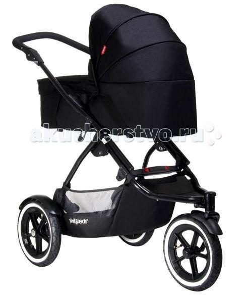 Люлька Phil&amp;Teds Snug Carrycot для колясок Dot и Navigator 2Snug Carrycot для колясок Dot и Navigator 2Блок для новорожденных в коляску Phil&Teds Snug Carrycot подходит для колясок производителя Phil&Teds Dot и Navigator. Блок для новорожденных с легкостью прикрепляется к шасси и превращает обычную прогулочную коляску в удобную для вашего новорожденного малыша.  Блок на удобных ручках , на дне колыбельки мягкий матрасик для удобства самых маленьких.   • блок Snug Carrycot оснащен прочными ручками для переноски; • легко крепится на шасси; • может использоваться в качестве переносной люльки или кроватки; • противосолнечный козырек обеспечивает надежную защиту от ультрафиолетового излучения; • капор раскладывается совершенно бесшумно; • при необходимости капор легко снимается; • предусмотрен комфортный ортопедический матрасик; • внешняя обивка чистится влажной губкой; • внутренние части из ткани отлично переносят машинную стирку; • при производстве блока для новорожденных используют только гипоаллергенные материалы с высокими износостойкими качествами; • предусмотрено быстрое и простое складывание модели; • механизм крепления на шасси отличается большой прочностью и простотой в использовании; • люлька весьма удобна, ветронепродуваема и безопасна; • прогулка будет комфортной даже в ненастную погоду, так как люлька надежно защищает ребенка от холода и ветра; • блок предназначен для детей в возрасте от рождения и до девяти месяцев. Размеры блока: 77 х 35 х 27 см. Вес: 4,5 кг. В комплекте: блок с люлькой, матрасик, УФ защита, дождевик.<br>