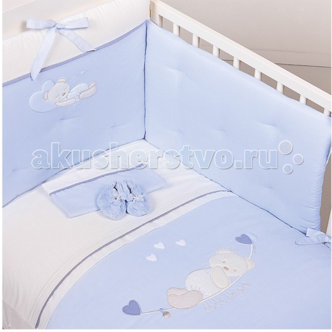 Комплект в кроватку Picci Mimmi (3 предмета) аппликацияMimmi (3 предмета) аппликацияКомплект в кроватку Picci Mimmi - постельное белье для Вашего малыша, выполнено по современным технологиям с использованием натуральных материалов, что характеризует качество продукции Picci. Постельное белье создаст уют Вашему малышу и подарят ему спокойные и приятные сны.  Основные характеристики: изысканный дизайн элитная коллекция комплект отличается высоким качеством пошива бельё полностью безопасно и гипоаллергенно благодаря устойчивым красителям, белье сохраняет насыщенность красок и безупречный вид после стирки материалы не раздражают нежное тельце ребенка, и не доставляют ему неудобств удобство и простота в использовании бампер предохраняет от ушибов о стенку кроватки качество материала обеспечивает лёгкость стирки и долговечность в комплекте одеяло-покрывало, наволочка, бампер  Материалы: состав - 100% хлопок одеяло-покрывало с синтепоновым наполнением изготовлен из материала самого высшего качества и только из натуральных тканей<br>