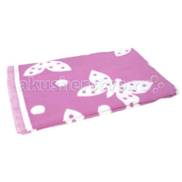 Одеяло Прибалтика байковое 100х140 смбайковое 100х140 смОдно из преимуществ байкового одеяла — его лёгкость. Это качество незаменимо при постоянных переездах или при отсутствии лишнего места в машине или в помещении.  Складываясь компактно, занимает минимум места по сравнению с ватным или шерстяным одеялом при этом, не теряя в теплоизоляции и комфорта. Байковое одеяло более комфортно для сна чем шерстяное, так как шерсть обладает колючей структурой, в то время как байковое одеяло мягкое и приятно на ощупь. Детские байковые одеяла чаще всего можно встретить в кроватках и колясках, потому как стопроцентный хлопок, из которого производится байковое одеяло, сохраняет тепло и не вызывает аллергии. Одеяло байковое Прибалтика изготовлено из мягкого хлопка отличного качества с приятным рисунком. Чтобы байковое одеяло служило дольше не рекомендуется стирать его в воде при температуре выше 40°С и гладить в режиме более 150С. Уютное легкое одеяльце нежно укутает вашего крошку, заботливо оберегая его от капризов погоды. Легкое, одеяло байковое Прибалтика не причинит неудобств, и будет бережно охранять покой малютки.<br>