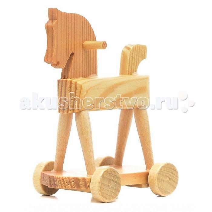 Pupsique Лошадка-качалка для кукол (c колёсами)Лошадка-качалка для кукол (c колёсами)Лошадка-качалка для кукол (c колёсами) - это прекрасный аксессуар для игры с мини-куклами.   Ваш ребенок может придумать и разыграть различные ситуации с мини-куклами и качалкой.  Игрушка изготовлена из высококачественного материала, в производстве используется древесина бука и клена.   Игрушка обеспечивает развитие и обучение вашего ребенка в процессе игры.  Размер 7х4х6 см.<br>