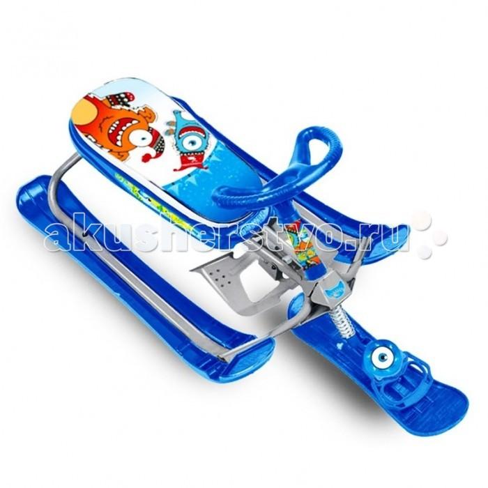 """Снегокат R-Toys Penguin Sport 2 авторульPenguin Sport 2 авторульPenguin Sport 2 - уникальный снегокат с авторулем. Такой стильный снегокат не оставит равнодушным ни одного мальчишку. Юный гонщик на таком снегокате будет примером для любой леди, которая тоже захочет такой модный транспорт. А технические характеристики смогут успокоить родителей в безопасности этого дизайнерского чуда!   Амортизатор на передней лыже помогает на холмистых горках. Благодаря ему ребенок не ощутит неровности дороги.  Маневренность - 10 баллов. Очень безопасная и современная тормозная система со стальным тормозом. Российские инженеры позаботились о том, чтобы Вы были спокойны за безопасность своего ребенка.  Удлиненная база создана для повышенной устойчивости.  Улучшенная система рулевого управления за счет новой формы боковых лыж """"Twin Tip"""". При повороте изогнутый край лыжи скользит быстрее по сравнению с обычной прямой лыжей, тем самым улучшается маневренность.  Сиденье - удобное и мягкое. Материал - мягкая искусственная кожа с ярким принтовым рисунком. Вы и Ваш малыш оцените эргономичность этого снегоката.  Очень полезная разработка - буксировочный трос в виде рулетки, которую легко можно вытягивать из пластикового корпуса и быстро прятать.  Благодаря аэродинамичным линиям и формам, снегокат способен развивать нужную скорость, но в тоже время отвечая безопасности легко и быстро тормозит.  Снегокат поможет быстрому развитию общей моторики, приобретению навыков координации и равновесия ребенка. Ваш малыш научится контролировать ситуацию, развивать скорость, быстро тормозить и совершенствовать умение управлять этим видом транспорта. Это бесценный опыт. Но всегда надо помнить, что учиться кататься на снегокате нужно начинать с пологих склонов, и только освоив управление и торможение, можно переходить к более сложным пируэтам и высоким горкам.  С помощью новейших технологий производства ударопрочный пластик не подвержен деформации, выдерживает нагрузку до 70 кг и не треснет на морозе.   Макс"""