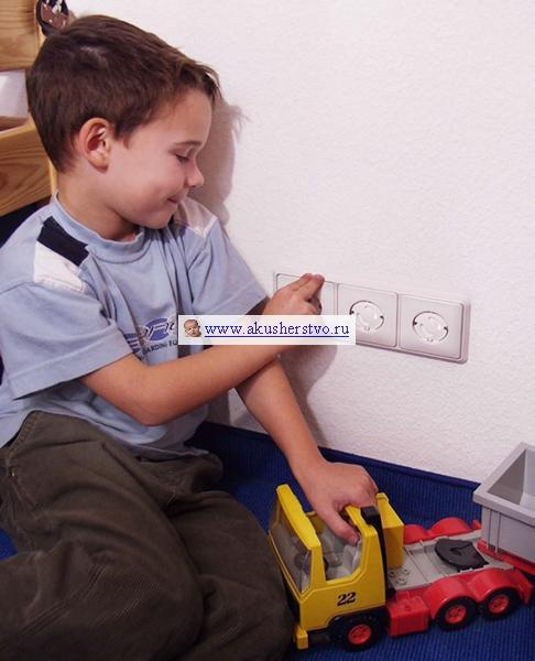 Защита розеток от детей
