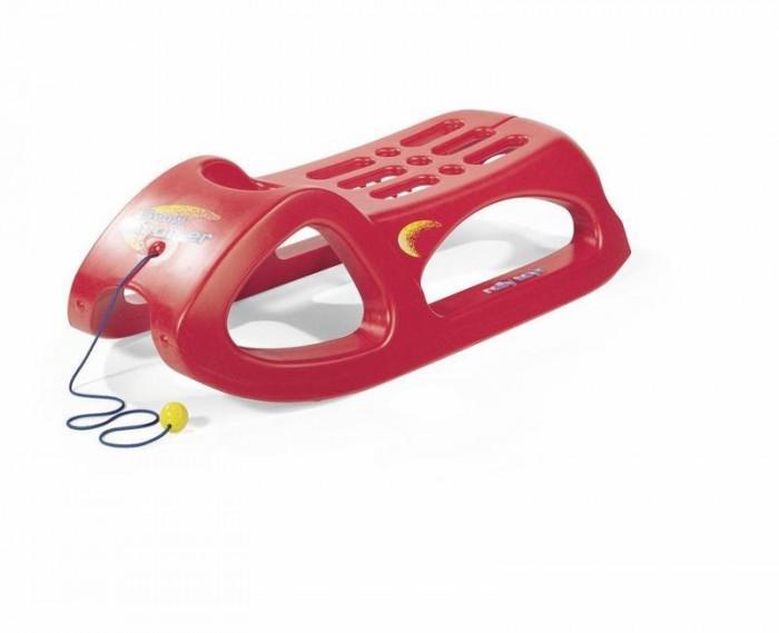 Санки Rolly Toys Snow CruiserSnow CruiserСанки Rolly Snow Cruiser - современные спортивные санки для активных детей, отличающиеся высококачественными материалами и большой прочностью. Отвечают самым высоким требованиям по скорости и комфорту. А благодаря небольшому весу (всего около 4 кг), с такими санками ребёнок управится самостоятельно без помощи родителей.  Особенности: Санки имеют удобное эргономичное сиденье и металлические накладки на полозьях для увеличения скорости Выдерживают высокую нагрузку, благодаря чему можно кататься вдвоём Для транспортирования предусмотрен буксировочный шнур  Размеры: 94 х 44 х 27 см<br>