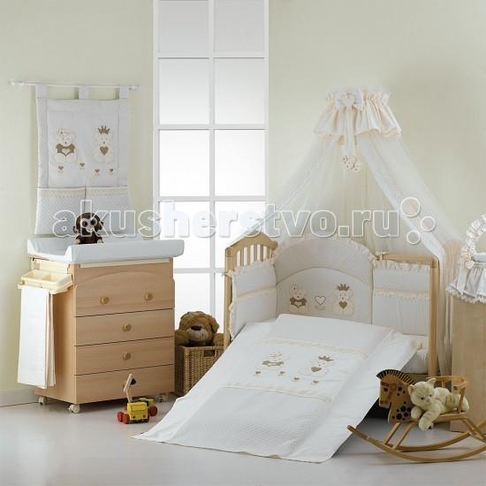 Комплект в кроватку Roman Baby Real Bears (5 предметов)Real Bears (5 предметов)Комплект постельного белья Roman Baby Real Bears - элегантный сет от итальянского производителя. Белье сшито из 100% хлопка, украшено красивыми аппликациями в виде сердечка. На этом постельном белье малыш будет видеть только сладкие сны, а его сон будет спокойным и продолжительным.   Особенности:    Использовались только нетоксичные красители;  Украшено аппликациями;  Белье можно стирать при температуре 30 гр в режиме бережной стирки;  Изготовлено только из натуральных гипоаллергенных материалов, с использованием нетоксичных красителей;   В комплекте:   Простынь-одеяльце 120 х 160 см  Наволочка 40 х 60 см  Простынь на резинке 110 х 180 см  Бортик на половину кроватки  Подушка 40 х 60 см   Материал: 100% хлопок<br>
