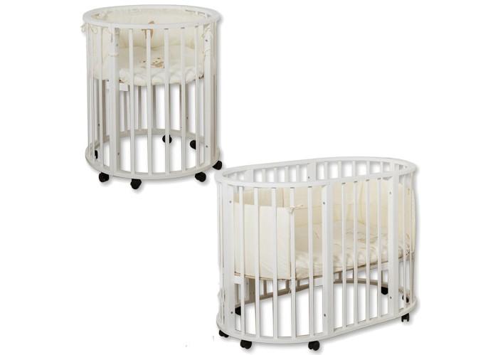 Кроватка-трансформер Roxie Incanto 3 в 1Incanto 3 в 1Кроватка-трансформер Roxie Incanto 3 в 1  Стильная и лаконичная кроватка Incanto 3 в 1 легко впишется в любой современный интерьер детской комнаты. Имеет округлую форму без острых выступов.  Это кроватка, которая растет вместе с вашим малышом, постоянно трансформируется с момента рождения до дошкольного возраста. При необходимости трансформируется в манеж для игры и сна.  Когда ребенок совсем маленький (до 6 месяцев), она послужит ему уютной колыбелькой. Колесики обеспечивают мобильность колыбели, при необходимости их можно зафиксировать с помощью стопоров.  Позднее колыбель трансформируется в кроватку с тремя уровнями ложа. Благодаря перфорации дна обеспечивается оптимальная вентиляция. Круглые стойки позволяют малышу легко хвататься и удобнее вставать на ножки.  Когда малыш научится самостоятельно забираться в кроватку, часть бокового ограждения можно снять и использовать как диванчик. Установив дно кроватки в самое нижнее положение, можно сделать мобильный глубокий манеж.  Люлька размером 75х75 см с рейками на безопасном расстоянии. Кроватка размером 125х75 см.<br>