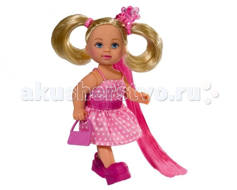 Simba Кукла Еви супер-волосыКукла Еви супер-волосыКукла Еви Simba супер-волосы - набор для юных любительниц парикмахерского искусства.   В этом наборе у куколки Еви роскошные волосы, которые будет интересно причесывать, а также аксессуары.  Набор изготовлен из высококачественной пластмассы и ткани.   В наборе:    куколка Еви,  щетка,   расческа,   маленькая сумочка,   3 больших и 3 маленьких заколки для куклы,   две пряди «искусственных волос»   Размер: 12 см<br>