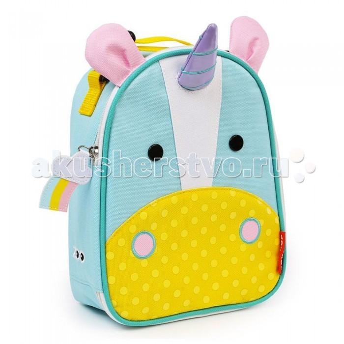 Skip-Hop Термо-сумка Zoo LunchieТермо-сумка Zoo LunchieДетская термо-сумочка для еды Zoo Lunchie Skip-Hop. Специальная термоизоляция сохранит напитки и продукты холодными, а внутренний карман сетка позволит сложить туда посуду или другие вещи. В удобный рюкзачок можно положить бутерброды, фрукты, напитки и много другое чтобы отправиться в путешествие или на пикник.   для детей с 3 лет просторная, термоизоляционная сумка сохранит продукты питания и напитки холодными большой отсек для продуктов сетчатый карман для посуды, и других мелочей верхняя ручка имеет застежку, что позволяет прикрепить сумочку к любому предмету (например к школьному рюкзаку) соответствует всем стандартам безопасности прочная, износостойкая ткань легко очищается и стирается размеры (шхвхг): 20х23х8 см<br>