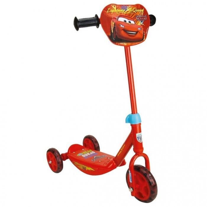 Самокат Smoby 3-х колесный3-х колесныйСамокат Smoby 3-х колесный с прочной металлической рамой, колесами против скольжения и удобной ручкой, находящейся между задними колесами.  Преимуществом самоката Smoby является металлическая рама, которая обеспечивает хорошую устойчивость его на дороге. Специалисты рекомендуют покупать маленьким детям не складывающиеся самокаты для обеспечения безопасности катания. Другое преимущество самоката - прорезиненные колеса, в отличии от полиуретановых не позволят развивать слишком большую скорость, не скользят и дают большую устойчивость.   Герои Диснеевских мульфильмов будут сопровождать малышей во время прогулок.  Особенности: Высота руля регулируется от 64 до 72 см Рекомендуется детям от 2.5 лет Размер 55х32х67 см.<br>