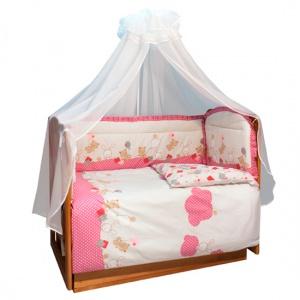 Постельное белье Soni Kids В уютных облачках (3 предмета)В уютных облачках (3 предмета)Комплект постельного белья в кроватку В уютных облачках Soni Kids выполнен из высококачественного антибактериального и гипоаллергенного 100% хлопка. Модель порадует заботливых родителей шелковистым, воздушным, хорошо пропускающим влагу материалом и красивым дизайном.   Материал: поплин (100% хлопок)  В комплекте: пододеяльник: 110 х 140 см наволочка: 40 х 60 см простынка на резинке: 150 х 90 см<br>
