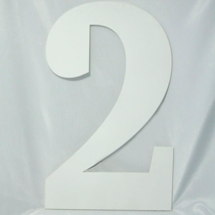 Suvenirrus Декоративная цифра 2Декоративная цифра 2Декоративная цифра Suvenirrus 2 из фанеры толщиной 6 мм  Необычные сувениры и элементы декора от фирмы Suvenirrus. Лазерная резка и гравировка.   Может быть использовано как элемент декора для дома или для фотосессий.<br>