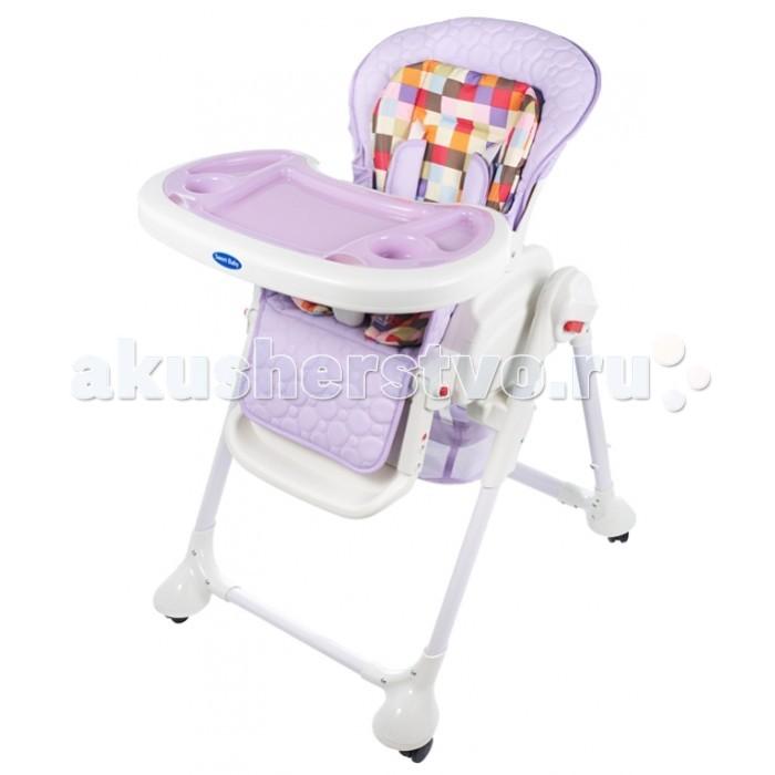 Стульчик для кормления Sweet Baby Luxor MulticolorLuxor MulticolorСтульчик для кормления Sweet Baby Luxor Multicolor – теперь это не просто стул для кормления, а и колыбель, в которой Ваш малыш сможет прекрасно отдохнуть.   Особенности: Новая функция делает изделие крайне удобным. Она убивает сразу двух зайцев: малышу обеспечен крепкий сон, а маме – возможность заняться чем-то параллельно. Вы с огромным удовольствием будете пользоваться стульчиком с первых дней жизни малыша и до достижения им 3-летнего возраста.  Сидение выполнено из безопасной гипоалергенной экокожи, на нем расположен мягкий вкладыш, который легко снимается. Сидение достаточно широкое и оснащено анатомическим разделителем для ножек – Вашему малышу будет очень комфортно с первых минут пребывания в нем. Спинка стульчика наклоняется в 3 позициях и имеет 5 уровней высоты – в любой момент Вы можете выбрать оптимальное положение. Максимальная высота спинки – 103 см, а максимальный угол наклона – 170°С.  Подножка имеет не только 3 угла наклона, но может удлиняться также в 3 позиции – по мере роста Вашего малыша. Поднос выполнен из прочного пластика и оборудован съемной накладкой. Поверхность легко снимается, а для удобства хранения может быть подвешена на задние ножки. Поднос фиксируется в 3 различных положениях и имеет 2 углубления под стаканчики. Уход за подносом не вызывает затруднений: Вы можете его помыть как самостоятельно, так и в посудомоечной машине. Специальная корзинка – и любимые игрушки всегда под рукой! 4 колесика делают стульчик очень маневренным, а тормоза на каждом колесике надежно его закрепляют.  5-точечный ремень безопасности фиксирует положение малыша в плечах, ножках и животике и регулируется в объеме.<br>