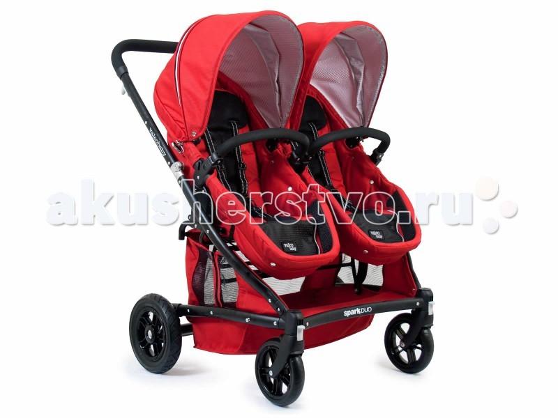 Valco baby Коляска для двойни Zee Spark DuoКоляска для двойни Zee Spark DuoПрогулочная коляска для двойни или погодок, сиденья которых легко трансформируются в полноценные люльки. Модель идеально подходит для детей с самого рождения.   Регулируемые капюшоны защитят малышей от солнечных лучей, а дышащие ткани Airgo обеспечат превосходную вентиляцию сиденья.   Полноразмерные люльки вместят малышей даже в зимней одежде и ничуть не стеснят их движений. Люльки можно переставлять лицом к маме или к дороге независимо друг от друга, позже трансформировать в удобные прогулочные блоки.  Прогулочные блоки: предназначены для детей с рождения до 3 лет (весом до 18 кг) cиденья Transforma – трансформируются в полноценные люльки, независимо регулируемые спинки, плавно откидываются вплоть до горизонтального положения. Для трансформации необходимо отстегнуть кнопки под спинкой сиденья и молнию под подножкой, поднять бортики вверх, прикрепить — и полноценная люлька готова съемные бамперы или отстегиваемые с одной стороны удобные подножки капюшоны EXpanda – расширяются при помощи застежки на молнии, регулируемые сетки для дополнительной вентиляции, окошки «Peek-a-boo». Окошки на коляске удобно расположены, так что Вы можете открыть его и взглянуть на спящих малышей во время прогулки 5-ти точечные ремни безопасности высококачественные, прочные, устойчивые к загрязнениям, «дышащие» ткани Airgo. Съемные тканевые детали можно стирать при температуре 30 градусов  Шасси: Ручка эргономичной формы 4 колеса, задние надувные все колеса легко снимаются для очистки или отдельного хранения передние поворотные, фиксируемые прочный облегченный алюминий ножной тормоз на 2 задних колеса, окрашен в красный цвет, снять и поставить на тормоз можно подошвой, не пачкая обувь амортизация на задних колесах компактное сложение «книжкой», автоматически фиксируется при складывании. Легко транспортируется, в том числе в сложенном виде катится в руках. Самостоятельно стоит, без дополнительной опоры прогулочные бло