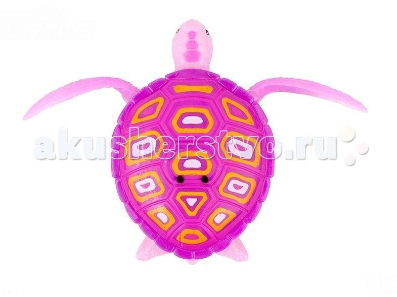 Интерактивная игрушка Zuru РобоЧерепашкаРобоЧерепашкаРобоЧерепашка - новая, высокотехнологичная игрушка.   Активируется при погружении в воду, либо от прикосновения пальцами к электроду на спинке.   Шевелит ластами и плывет как настоящая водоплавающая черепаха.   Может ползать по суше, пока внутри игрушки сохраняется влага.                                                                                    В наборе: 1 Робочерепашка, 2 запасные батарейки.                                                                         Для детей от 3-х лет.                                                                 Размер игрушки: от головы до хвоста 7.5 см.                            Материал: пластмасса, металл                                                   Батарейки: LR44 - 2 шт. вставлены в игрушку + 2 запасные в наборе<br>